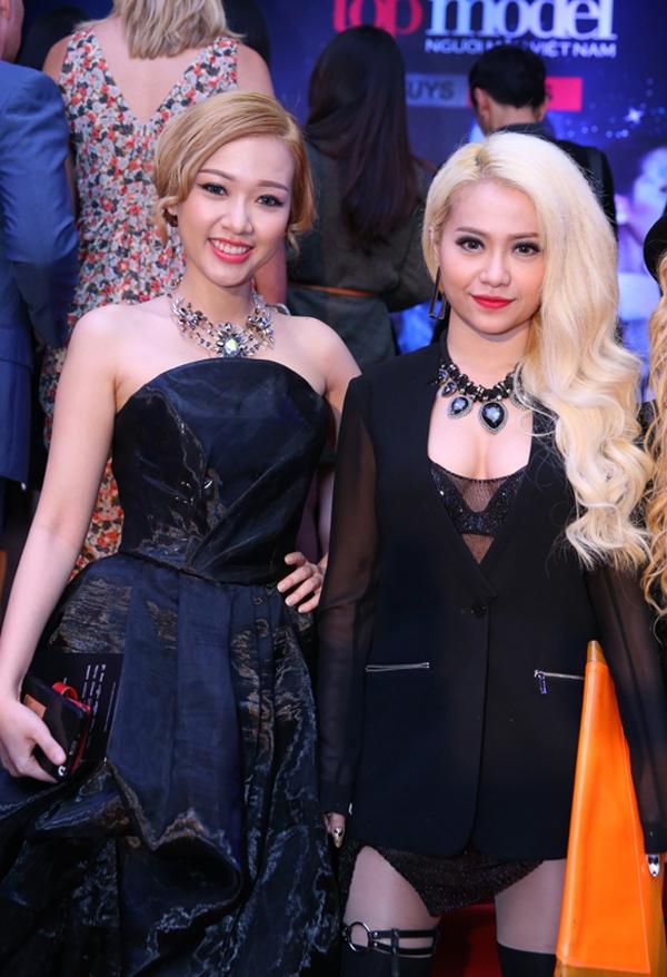 """Thủy Tiên """"suýt"""" phản cảm, Mai Khôi lại dẫn đầu Top sao mặc xấu 12"""