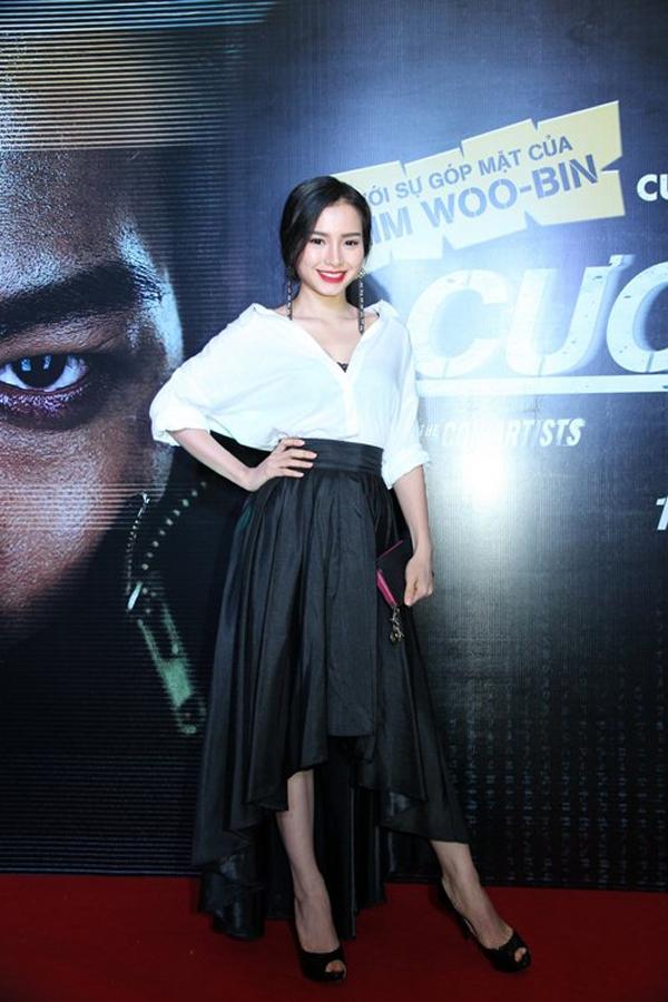 """Thủy Tiên """"suýt"""" phản cảm, Mai Khôi lại dẫn đầu Top sao mặc xấu 15"""