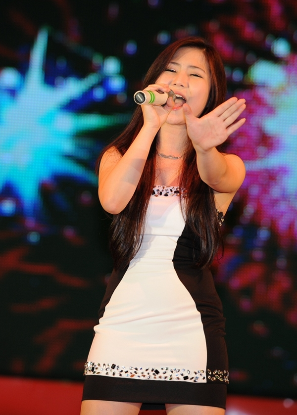 Hương Tràm tái xuất cùng dàn thí sinh The Voice 2