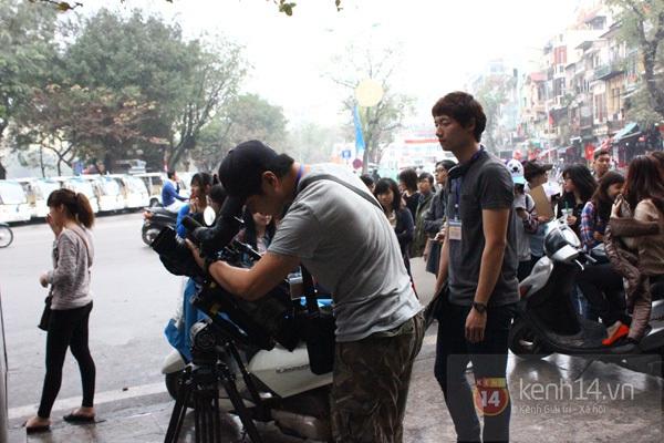 """Toàn cảnh ngày ghi hình đầu tiên ở Việt Nam của """"Running Man"""" 3"""