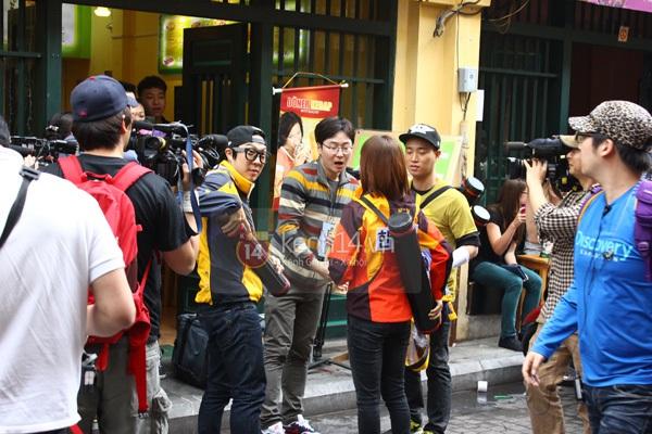 """Toàn cảnh ngày ghi hình đầu tiên ở Việt Nam của """"Running Man"""" 26"""