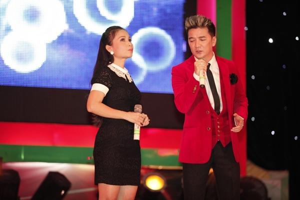 """Hà Hồ nhảy chân trần cực """"sung"""" trên sân khấu 12"""