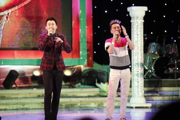 """Hà Hồ nhảy chân trần cực """"sung"""" trên sân khấu 27"""