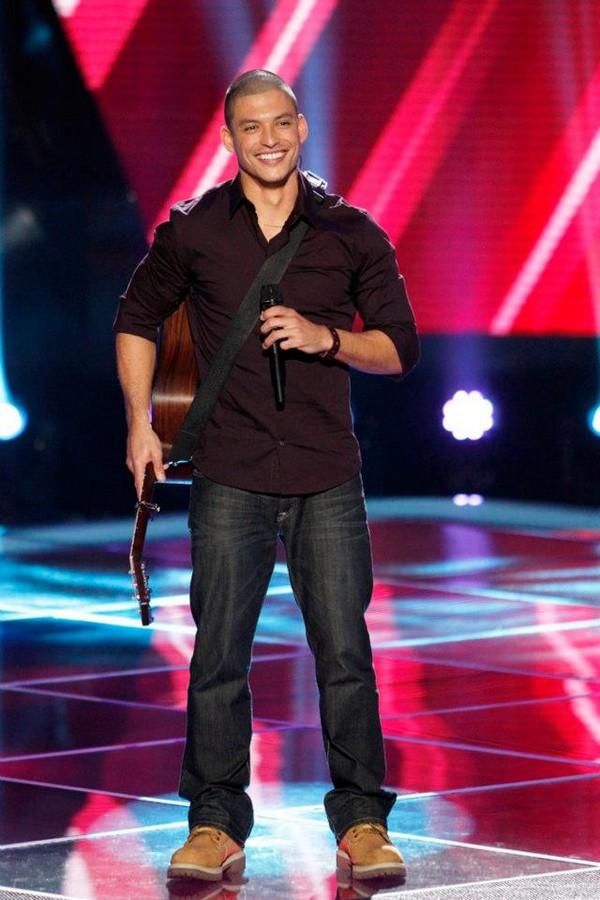 """The Voice US: Adam """"ngang nhiên"""" nẫng tay trên của Blake 10"""