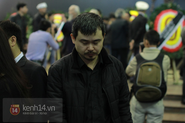 """Nhiều nghệ sĩ nổi tiếng đến tiễn đưa """"Bác trưởng thôn"""" Văn Hiệp 25"""