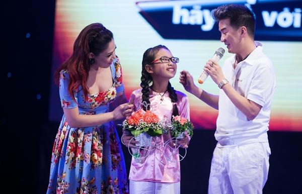 Gia đình phản bác chuyện Phương Mỹ Chi nhận cát-xê 30 triệu đồng/show 2