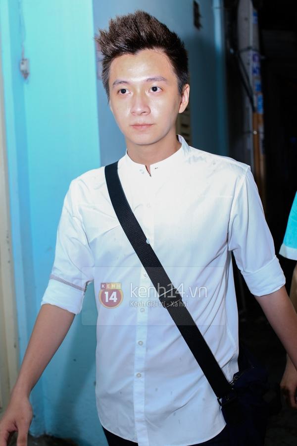 Các sao nghẹn ngào trong tang lễ toàn màu trắng của Wanbi Tuấn Anh 5