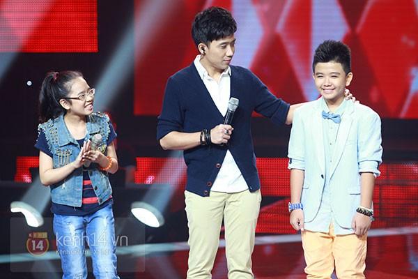 """Liveshow 2: Hồ Hoài Anh và Trấn Thành """"đấu"""" vọng cổ vì Phương Mỹ Chi 9"""