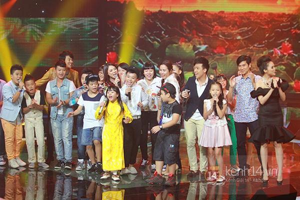 """Liveshow 2: Hồ Hoài Anh và Trấn Thành """"đấu"""" vọng cổ vì Phương Mỹ Chi 16"""