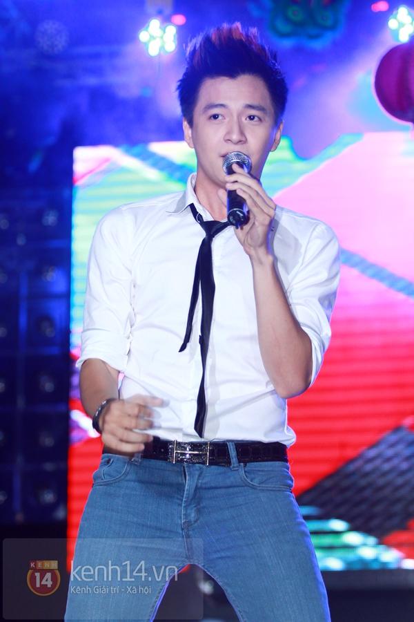 Sao Việt ủng hộ Mai Phương Thúy làm show từ thiện Trung thu 15