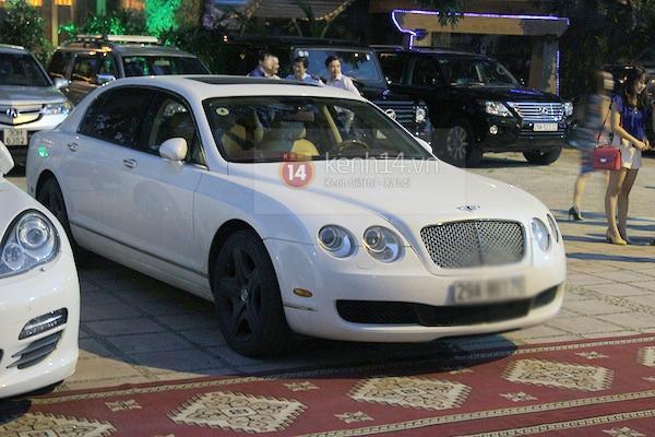 Cận cảnh loạt xe sang chen chúc đến dự lễ cưới của Ngọc Thạch 6