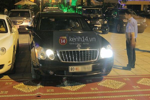 Cận cảnh loạt xe sang chen chúc đến dự lễ cưới của Ngọc Thạch 5