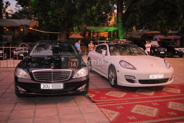 Cận cảnh loạt xe sang chen chúc đến dự lễ cưới của Ngọc Thạch 21