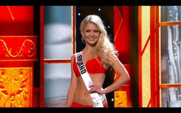 Trương Thị May tự tin tỏa sáng vòng Bán kết Miss Universe 2013 23