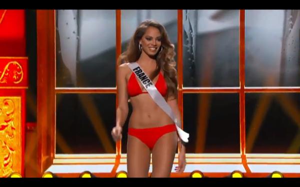 Trương Thị May tự tin tỏa sáng vòng Bán kết Miss Universe 2013 24