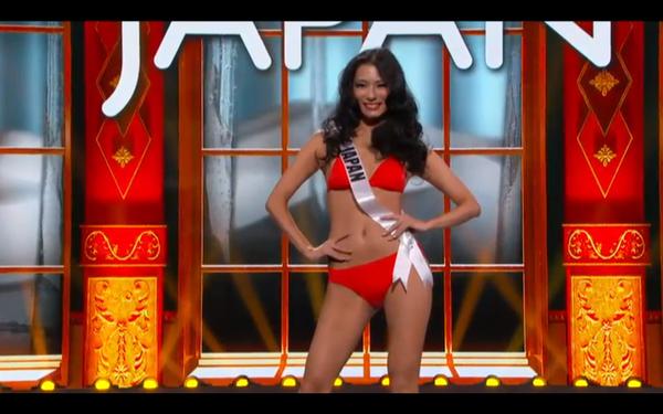Trương Thị May tự tin tỏa sáng vòng Bán kết Miss Universe 2013 26