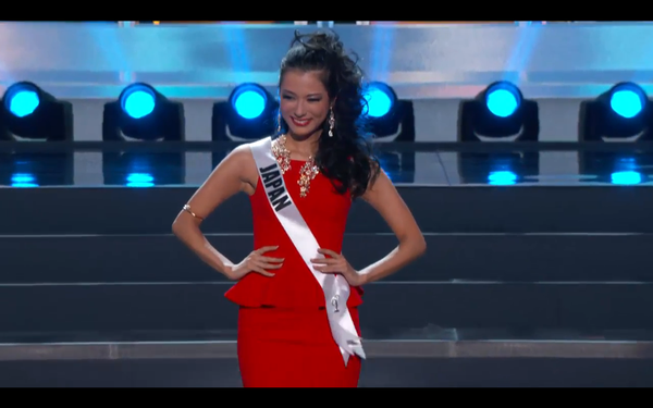 Trương Thị May tự tin tỏa sáng vòng Bán kết Miss Universe 2013 16