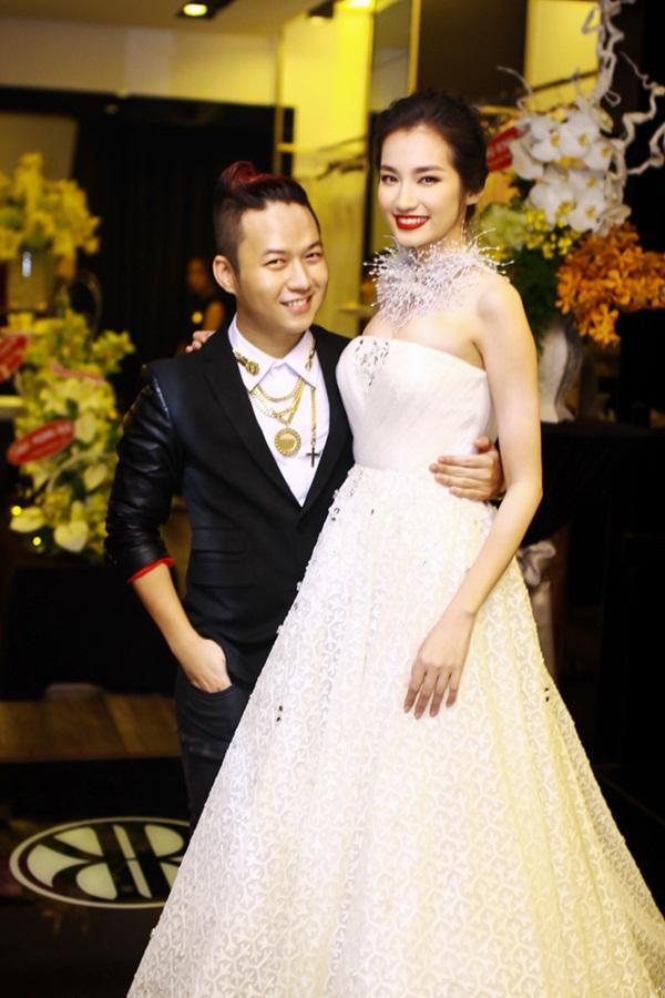 Vợ Đăng Khôi xuất hiện như ngôi sao sau đám cưới 10