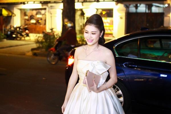 Vợ Đăng Khôi xuất hiện như ngôi sao sau đám cưới 1