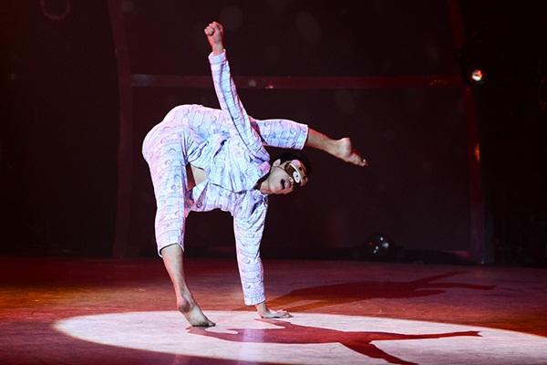 """Thí sinh """"So You Think You Can Dance"""" đổ máu trên sân khấu Chung kết 19"""