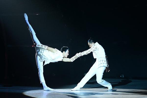 """Thí sinh """"So You Think You Can Dance"""" đổ máu trên sân khấu Chung kết 26"""