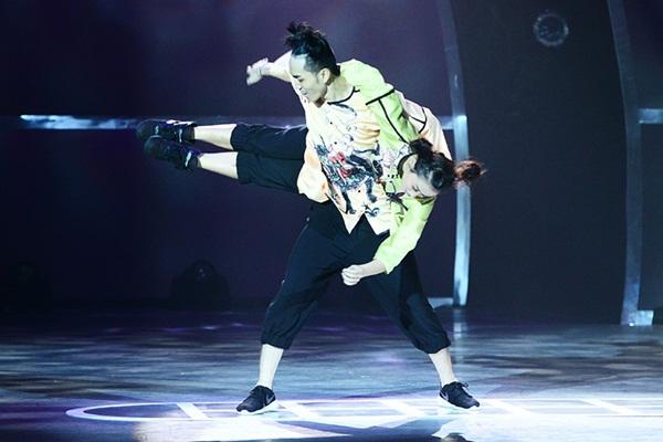 """Thí sinh """"So You Think You Can Dance"""" đổ máu trên sân khấu Chung kết 29"""