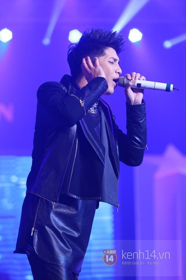 Son Dam Bi gặp sự cố khi biểu diễn ở Việt Nam 26