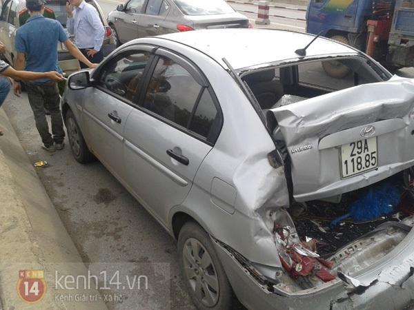Tai nạn ô tô liên hoàn trên cầu Thanh Trì, giao thông ùn tắc kéo dài 1