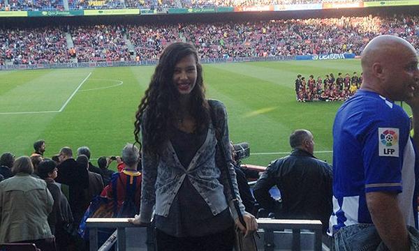 Alexis Sanchez quay lại với cô bồ trẻ xinh đẹp 6