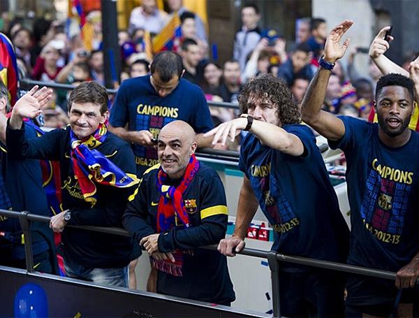 Cận cảnh buổi lễ ăn mừng hoành tráng của Barcelona 14