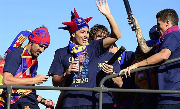 Cận cảnh buổi lễ ăn mừng hoành tráng của Barcelona 19