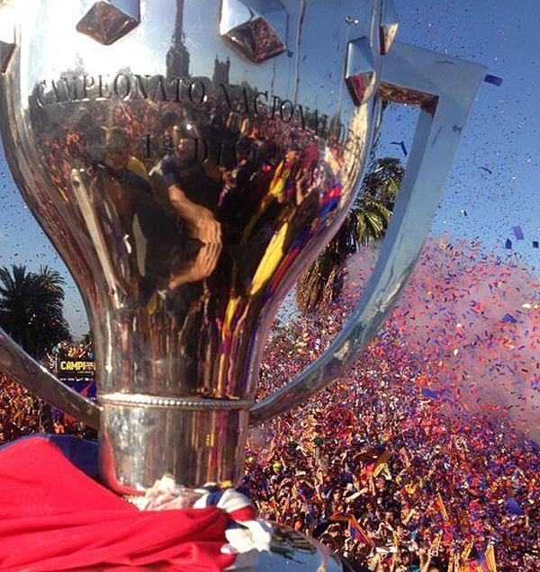 Cận cảnh buổi lễ ăn mừng hoành tráng của Barcelona 22