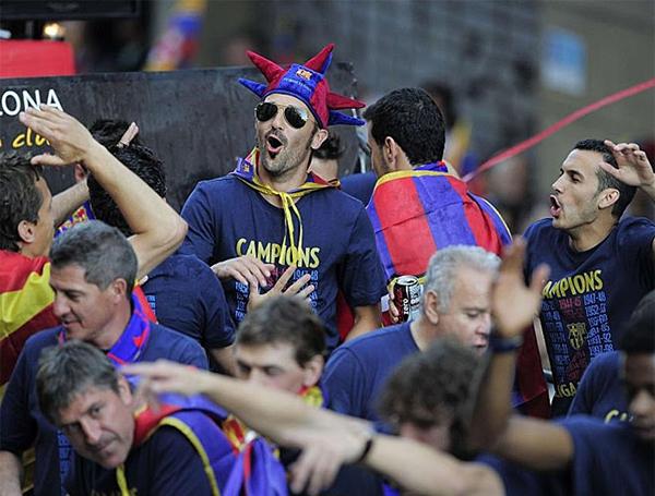Cận cảnh buổi lễ ăn mừng hoành tráng của Barcelona 12