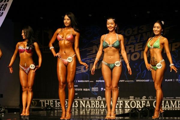 """Lạ mắt cuộc thi hoa hậu """"cơ bắp"""" tại Hàn Quốc 1"""