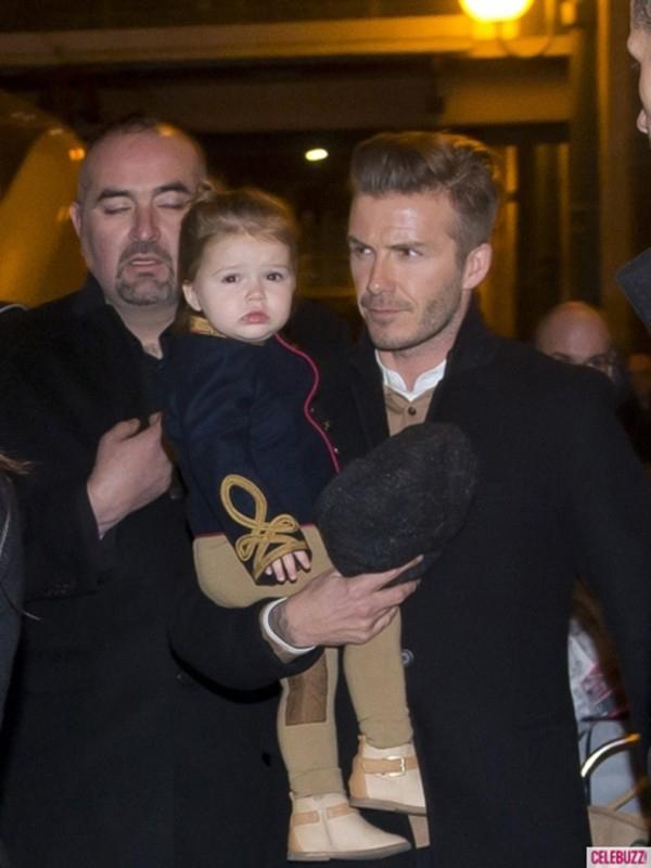 Những hình ảnh siêu dễ thương của bé Harper Seven Beckham 14