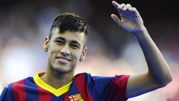 """Neymar bất ngờ xuất hiện trên bao bì """"hàng cấm"""" 2"""