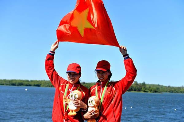 Bản tin SEA Games 27 ngày 16/12: Ánh Viên, Quý Phước liên tiếp thống trị đường đua xanh 4