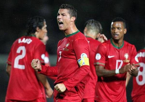 """Nhìn lại năm 2013 của """"cỗ máy ghi bàn"""" Cristiano Ronaldo 9"""