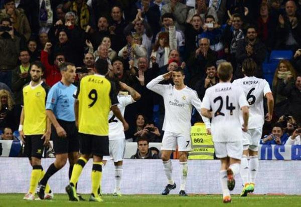 """Nhìn lại năm 2013 của """"cỗ máy ghi bàn"""" Cristiano Ronaldo 10"""