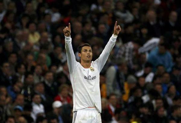 """Nhìn lại năm 2013 của """"cỗ máy ghi bàn"""" Cristiano Ronaldo 13"""