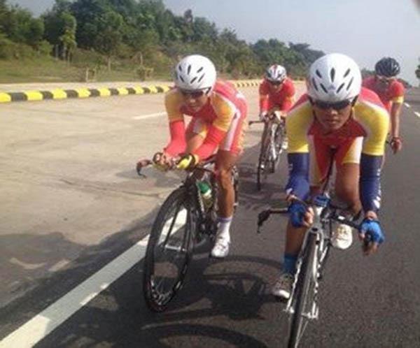 Bản tin SEA Games 27 ngày 16/12: Ánh Viên, Quý Phước liên tiếp thống trị đường đua xanh 3