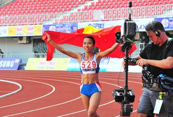 Bản tin SEA Games 27 ngày 16/12: Ánh Viên, Quý Phước liên tiếp thống trị đường đua xanh 7