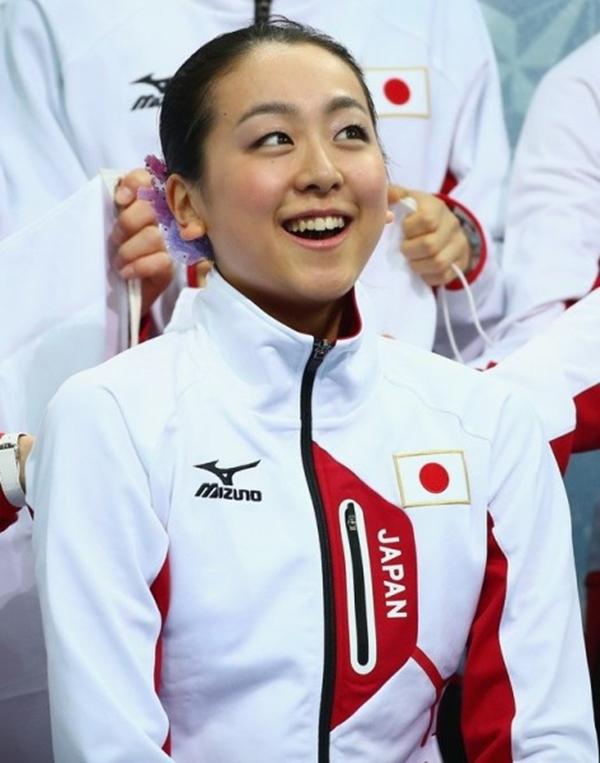 Olympic Sochi: Người đẹp trượt băng Nhật gặp sự cố trong ngày thi đầu 6