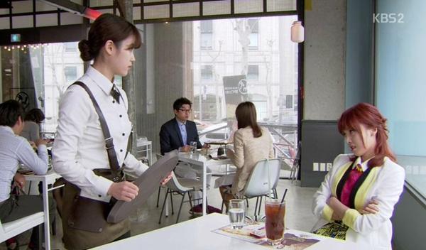 Soon Shin (IU) suýt ẩu đả với em gái người yêu 4