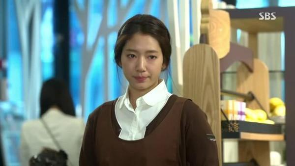 """Cách yêu """"bá đạo"""" của người thừa kế Kim Tan (Lee Min Ho) 9"""