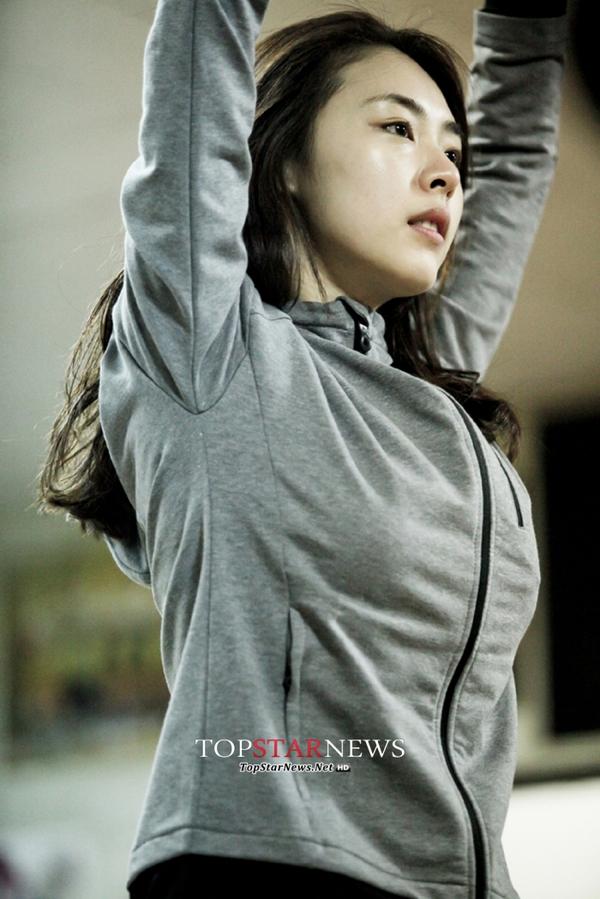 """""""Hoa hậu Hàn Quốc"""" Lee Yeon Hee khoe mặt mộc hoàn hảo 1"""