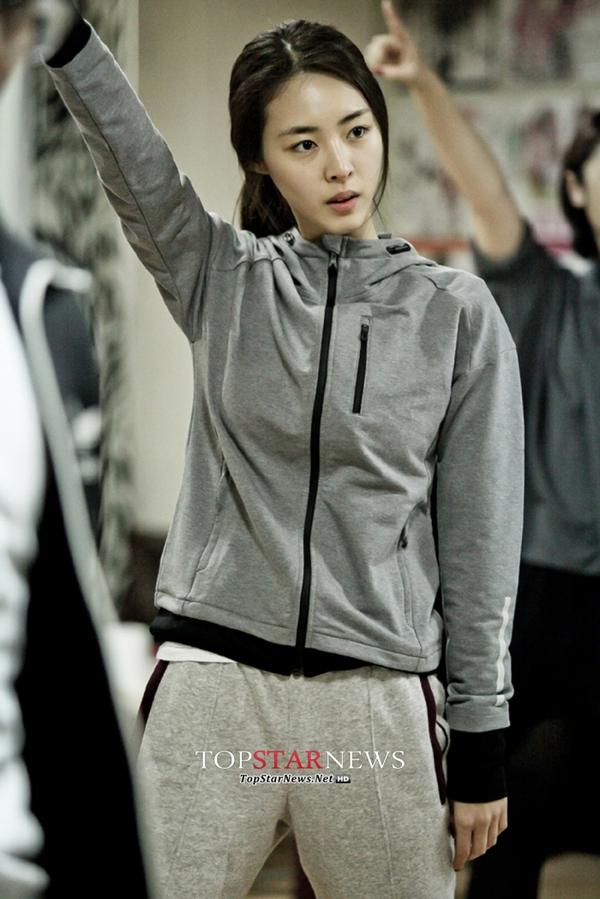 """""""Hoa hậu Hàn Quốc"""" Lee Yeon Hee khoe mặt mộc hoàn hảo 4"""