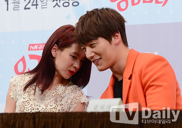 Song Ji Hyo đẹp dịu dàng bên phím đàn 6