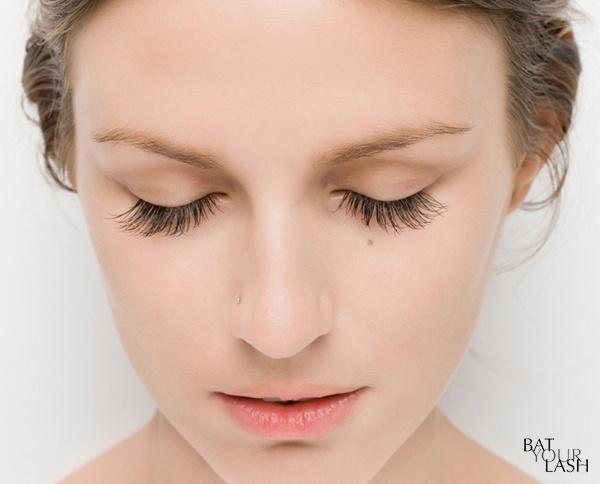 Làm đẹp Q&A: Kẻ eyeliner tự nhiên cho mắt sắc và mắt mí sụp, bé 4