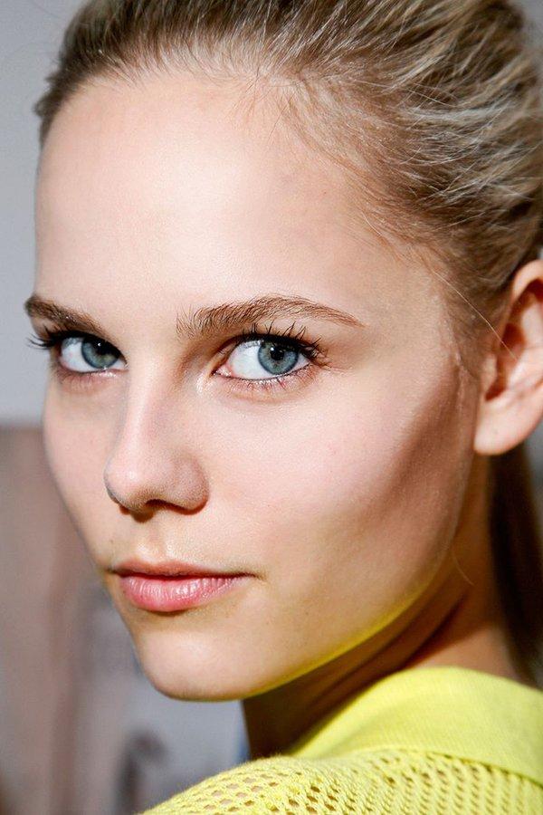 Làm đẹp Q&A: Kẻ eyeliner tự nhiên cho mắt sắc và mắt mí sụp, bé 5